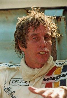 Brett Lunger (1945) Nascido em Wilmington no  Delaware - USA ,Herdeiro &  Empresário da Du Pont (2a Maior Indústria Química de Plásticos & Tintas do Mundo) Ex- Piloto e Ex Fuzileiro no Vietnã - Ativo na F 1 de (1975 à 1978) Correu 34 GPs em 03 Times - Ajudou a salvar Lauda em NurburgRing em 1976