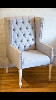 LOVE this chair. Want it for my desk.