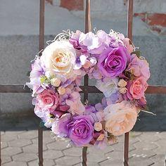 DEKOART / Romantický fialkový venček
