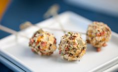 Epicure's Onion Bacon Cheese Ball Lollies Epicure Recipes, Healthy Recipes, Clean Recipes, Appetizer Recipes, Snack Recipes, Cooking Recipes, Snacks, Yummy Treats, Yummy Food