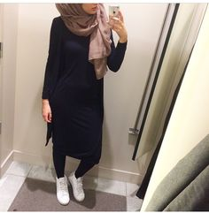 ... Islamic Fashion, Muslim Fashion, Modest Fashion, Fashion Outfits, Casual Hijab Outfit, Hijab Chic, Modest Wear, Modest Outfits, Modele Hijab