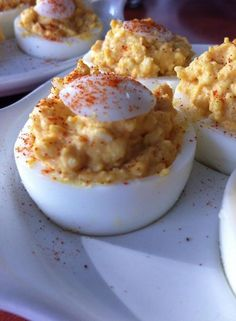Gevaarlijk lekkere gevulde eieren My ultimate recipe for the stuffed eggs that I make at every party and which is Tapas, Dutch Recipes, Snacks Für Party, Happy Foods, Healthy Meals For Kids, Macaron, High Tea, No Cook Meals, Finger Foods
