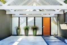 Great article about Eichler, and a rebuttal to it from his grandson in the Comments below the article.