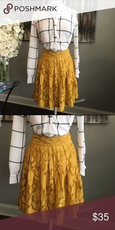 """NWT LOFT Mustard Yellow Floral Lace Skirt NWT - LOFT SKIRT - size 6 - floral lace - mustard yellow color - 19"""" long - concealed back zipper closure - built in liner - 61% cotton 39% nylon - top and necklace shown can be purchased in my closet - reasonable offers welcomed and bundle discount available LOFT Skirts Circle & Skater"""