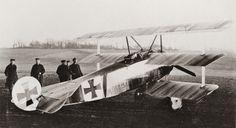 longbeardedgentleman:  von Richthofen's Fokker Dr 1