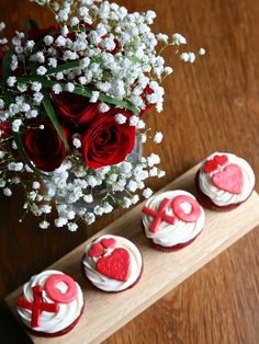 Valentine's Day specials by Flower Power Nation and Glaze Cupcakery in Dallas @Michelle Khanin
