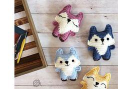 Mesmerizing Crochet an Amigurumi Rabbit Ideas. Lovely Crochet an Amigurumi Rabbit Ideas. Crochet Gratis, Crochet Fox, Crochet Patterns Amigurumi, Cute Crochet, Crochet Animals, Crochet Dolls, Crochet Yarn, Quick Crochet, Crochet For Kids