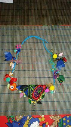 Paper Jewelry, Textile Jewelry, Fabric Jewelry, Beaded Jewelry, Handmade Jewelry, Yarn Crafts, Diy And Crafts, Arts And Crafts, Textiles