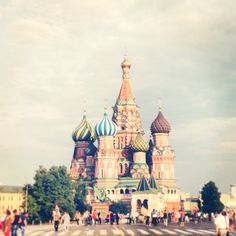Moscow Russia Pictures, Capital City, Travel Bag, Moscow, Taj Mahal, Places To Go, Beautiful Places, Europe, Cabin