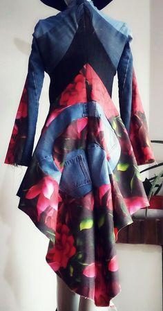 Construcción paso a paso chaqueta patronaje mágico con jeans reutilizados y retal textil próximamente totalmente terminada inscríbete a nuestros talleres de patronaje mágico 3D y origami para el 2018 #modasostenible #recicla #reutiluzacion #patronaje3d #patronajemagico #moda #fashionlovers #customizar #DDU