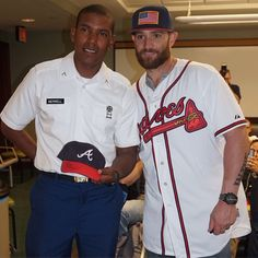 Today's pre-game activity? For Jonny Gomes, it's thanking our military. A morning full of stories, laughs & autographs!