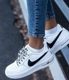 I will be the first to admit that I am serious sneaker addict. This month's purchase are these Nike Airforce 1 sneakers. When I am looking for new sneakers (or if I stumble across them through no… Cute Shoes, Me Too Shoes, Souliers Nike, Sneakers Fashion, Fashion Shoes, 90s Fashion, Fashion Black, Fashion Ideas, Ladies Fashion