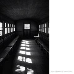 햇살 들어오는 텅빈 기차 안...  괜시리 슬퍼지는 이유는...   #sony #a7 #Digitalcamera #lens #55mm #snap #photo #사진 #Travel #여행 #여행스타그램 #합천 #영상테마파크 #train #기차 #sunshine #햇살 #sad #슬픈 #사진추억과기억을공유하다 #김군_Photography