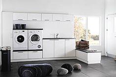 Duro. Hyödynnä tila optimaalisesti panostaen muotoon ja toimivuuteen. Rajattomien yhdistelymahdollisuuksien ansiosta valkoiset ovet ja Dark Concrete -pöytätaso sopivat hyvin kotiisi.