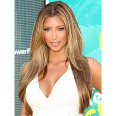 Brown hair and blonde highlights is the best hairstyle to lighten up your look easily. The blonde highlights can give a summertime glow for your brown hair. Dark Blonde Hair Color, Brown Hair With Blonde Highlights, Hair Highlights, Hair Colour, Caramel Highlights, Kim Blonde, Dark Hair, Color Highlights, Summer Highlights