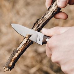 The Hawthorn knife in action.. #woodnsteel #handmade #knife #edc #dailycarry #menswear #mensfashion #midwest #madeinusa #indiana #outdoors #hiking #adventure