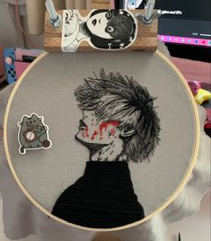 Diy Embroidery Shirt, Hand Embroidery Art, Embroidery On Clothes, Simple Embroidery, Embroidery Patches, Embroidery Designs, Tokyo Ghoul, Punch Manga, Diy Case