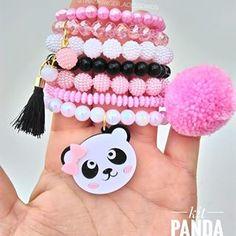 A Panda mais linda da vida passado em seu feed 💕🐼 💕 Além de linda é super delicada e faz muito sucesso por aqui 😍 _______ 💕Atacado e varejo , atacado com valores especiais ! 💕Whats app _27999437380 ( Clique no link azul na bio ) 💕 fabricação própria #acessoriosinfantil #acessórios #acessoriosdeluxo #acessoriosatacado #acessoriosinfantisdeluxo #acessóriosinfantis #acessoriosdemenina #meninas #pulseirismo #pulseiras #pulseirasatacado #feitoamão #panda Girls Accessories, Handmade Accessories, Handmade Jewelry, Chunky Bead Necklaces, Chunky Beads, Kids Jewelry, Jewelry Making, Kids Bubbles, Beaded Jewelry