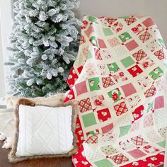 Four Square Quilt by A Quilting Life pattern in paper and PDF Christmas Quilt Patterns, Christmas Sewing, Christmas Fabric, Christmas Quilting, Patch Quilt, Quilt Blocks, History Of Quilting, Construction Crafts, Layer Cake Quilts