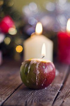 something...: Ябълков свещник