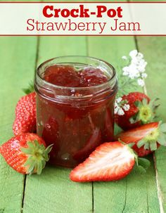 This amazing bright & fresh recipe for Crock-Pot Strawberry Jam is super easy and a great beginner recipe for anyone new to canning. Jelly Recipes, Jam Recipes, Canning Recipes, Easy Strawberry Jam, Fresh Strawberry Recipes, Strawberry Jelly Recipe Canning, Recipes For Strawberries, Strawberry Preserves, Slow Cooker Recipes