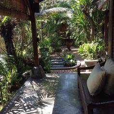 Bali style. Balinese home. Lima San house. Balinese garden
