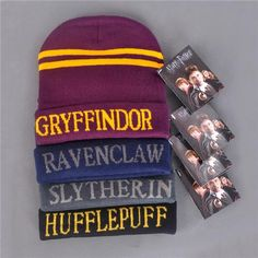 Wallet Harry Potter Gryffindor Houses of Hogwarts Harry Potter Beanie, Harry Potter Set, Harry Potter Merchandise, Harry Potter Houses, Hogwarts Houses, Slytherin And Hufflepuff, Xmas Gifts, Drink Sleeves, Warm