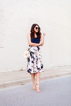 Floral Midi Skirt | Kendi Everyday | Bloglovin' Jw Fashion, Image Fashion, Work Fashion, Modest Fashion, Skirt Fashion, Rock Chic, Glam Rock, Skirt Outfits, Dress Skirt