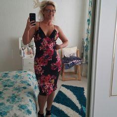 Love my floral dress ❤❤