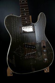 Telecaster Geometra Design: Cristh Rod Guitars http://www.cristhrodguitars.com/works/tl-geometra/