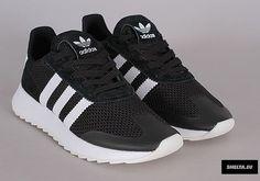 new style 63833 99d9b adidas Flashback Womens Sneaker