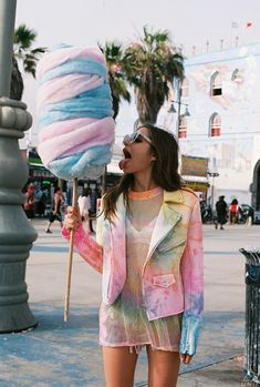 XTRA INSPIRATION #2: Reflects the personality of Soft Pop: PLAYFUL-CHILDLIKE-SUMMER + Pastel colours & Tie dye + COTTON CANDY