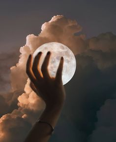 "🌕☁️""It is a beautiful and delightful sight to behold the body of the Moon."" – Galileo Galilei 🌕☁️ artwork by Sky Aesthetic, Aesthetic Photo, Aesthetic Pictures, Aesthetic Pastel Wallpaper, Aesthetic Wallpapers, Bedroom Wall Collage, Apple Watch Faces, Hand Reference, 3d Models"