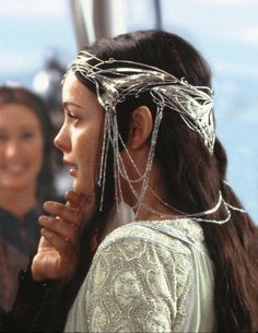 lord of the rings arwen liv tyler - Hair jewellery - did they ever make this for the jewellery range? Beautiful!