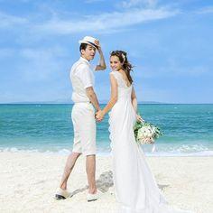 【沖縄リゾートウエディングフェア開催中】2/ 28迄 人気の沖縄リゾートウエディング❗今だけ❗フェア価格でご紹介。ウエディングもトラベル準備も なら1ヶ所で楽々準備が進みます。後悔しない式場選びはプロに相談から始めよう🎵 #海#沖縄 #沖縄ウェディング #結婚式 #リゾート地 #ウエディング #ウエディングドレス#レンタルドレス#プレ花嫁 #結婚指輪 #ビーチ #ロケーションフォトウェディング Okinawa, Destination Wedding, Hawaii, Wedding Photos, White Dress, Poses, Formal Dresses, Weddings, Fashion