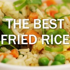The BEST Fried Rice. This fried rice is loaded with veggies and only takes 20 minutes to make! Great as a side dish or a light main meal for the whole family! - Rice Cooker - Ideas of Rice Cooker Cooking For Two, Meals For Two, Main Meals, Rice Recipes, Vegetarian Recipes, Cooking Recipes, Cauliflower Fried Rice, Veggie Fried Rice, Honey Sriracha Chicken