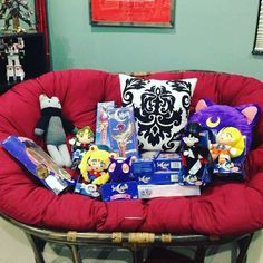 #throwbackthursday to the time I sold a bunch of vintage Sailor Moon toys! I hope they found good homes D: #sailormoon #セーラームーン #美少女戦士セーラームー #bishoujosenshisailormoon #sailorscouts #plushies #sailormooncollector #sailormoontoys #sailormooncollectibles #sailormoonfan #moonie #moonies #sailormooncrystal #sailormoon20th #bandai #sailormoonmerchandise #sailormoonfans #prettyguardiansailormoon  #sailormoonmerch #sailormoon20thanniversary #prettysoldiersailormoon #sailormooncollection…