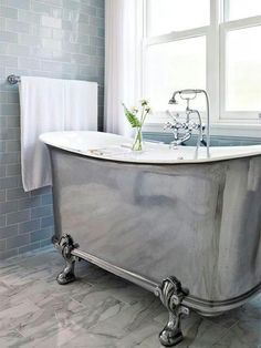 Claw Foot Tub A Hint Of Grandure Stunning Is One The Few Over Top Amenities Home