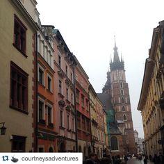 #Repost @courtneysadventures #europe #krakow #ispyapi #poland #travelgram #studyabroad #wanderlust #traveladdict #architecture #pretty