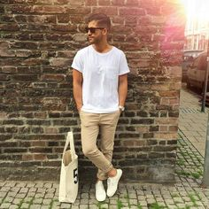 25 tan pants, a white tee and white Vans shoes - Styleoholic