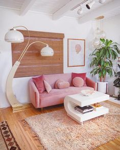 34 Must Have Pink Interior Design Ideas Home Decorations Warm Home Decor, Retro Home Decor, Pastel Home Decor, Living Room Decor, Bedroom Decor, Mod Living Room, Pink Couch, My New Room, House Rooms