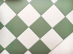 Schackrutigt klinker 10x10 cm grön& vit - granitklinker av mycket hög kvalitet. Välkommen till Sekelskifte och vårt kakel & klinker i gammaldags stil!