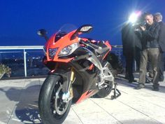 Aprilia RSV-4 Launched! - Sportbike Forums : Sportbikes Motorcycle Racing Forum