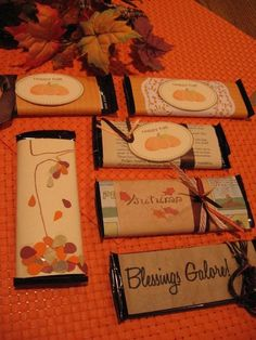 Adorable FREE Fall Printables. I love the idea of decorating candy bars as gifts for a Harvest party. These would also make great place cards at Thanksgiving!