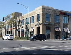CBRE Puts Chicago Retail Property on the Market Retail News, Chicago, Street View, Marketing