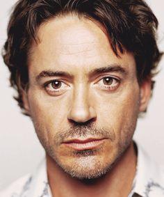 Robert Downey Jr. S)