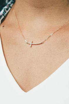 LA BLINGZ 10K Rose Gold Letter B Initial Pentagon Pendant Necklace