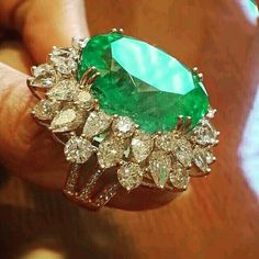 Diamond Rings : Columbian Emerald and Diamonds ~ Farah Khan Fine Jewellery. - Buy Me Diamond Emerald Jewelry, Diamond Jewelry, Gold Jewelry, Jewelry Rings, Jewelry Accessories, Fine Jewelry, Jewelry Design, Jewellery, Emerald Rings