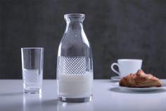 KULTOWE FORMY - butelka na mleko, projekt Sebastian Pietkiewicz