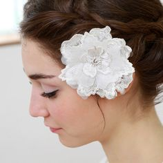 Lace blossom bridal headpiece  ivory by woomipyo on Etsy